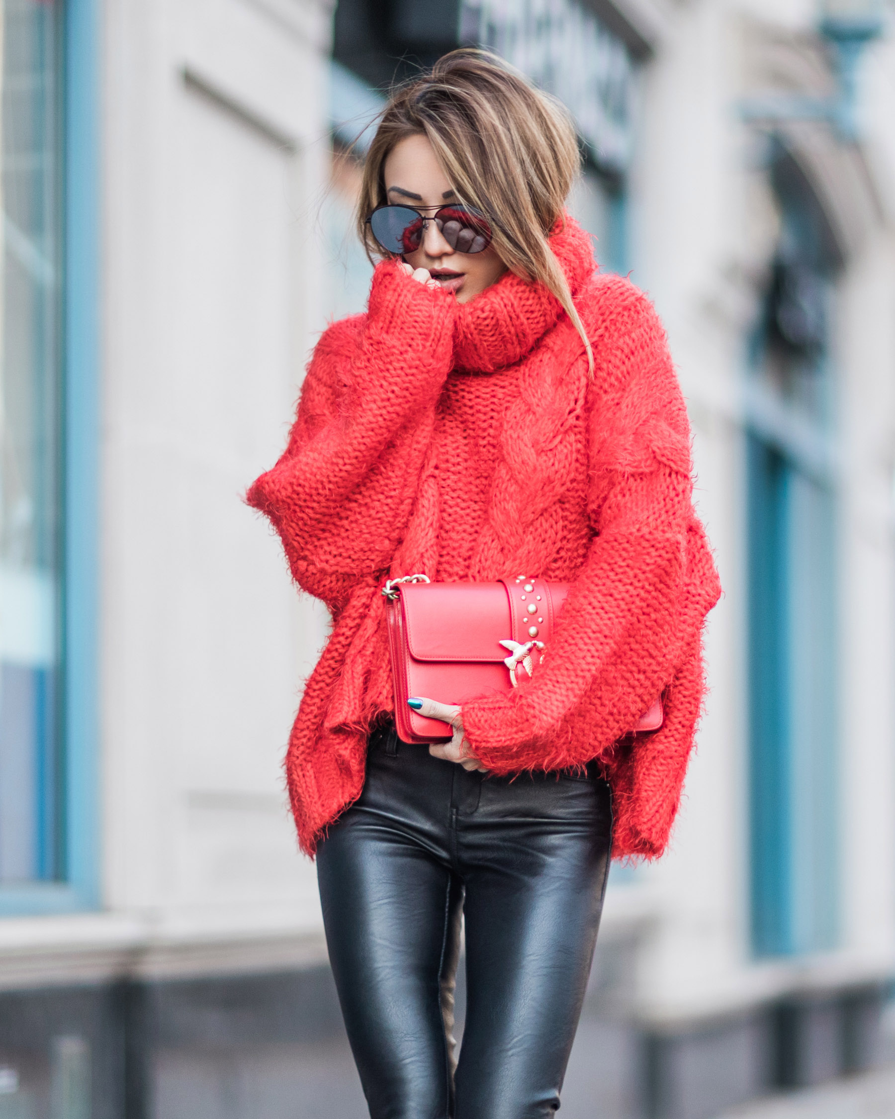 Ultimate Camera Guide for Bloggers - Shooting with a Canon 85mm 1.2 // NotJessFashion.com // Chunky Knit Winter Outfits