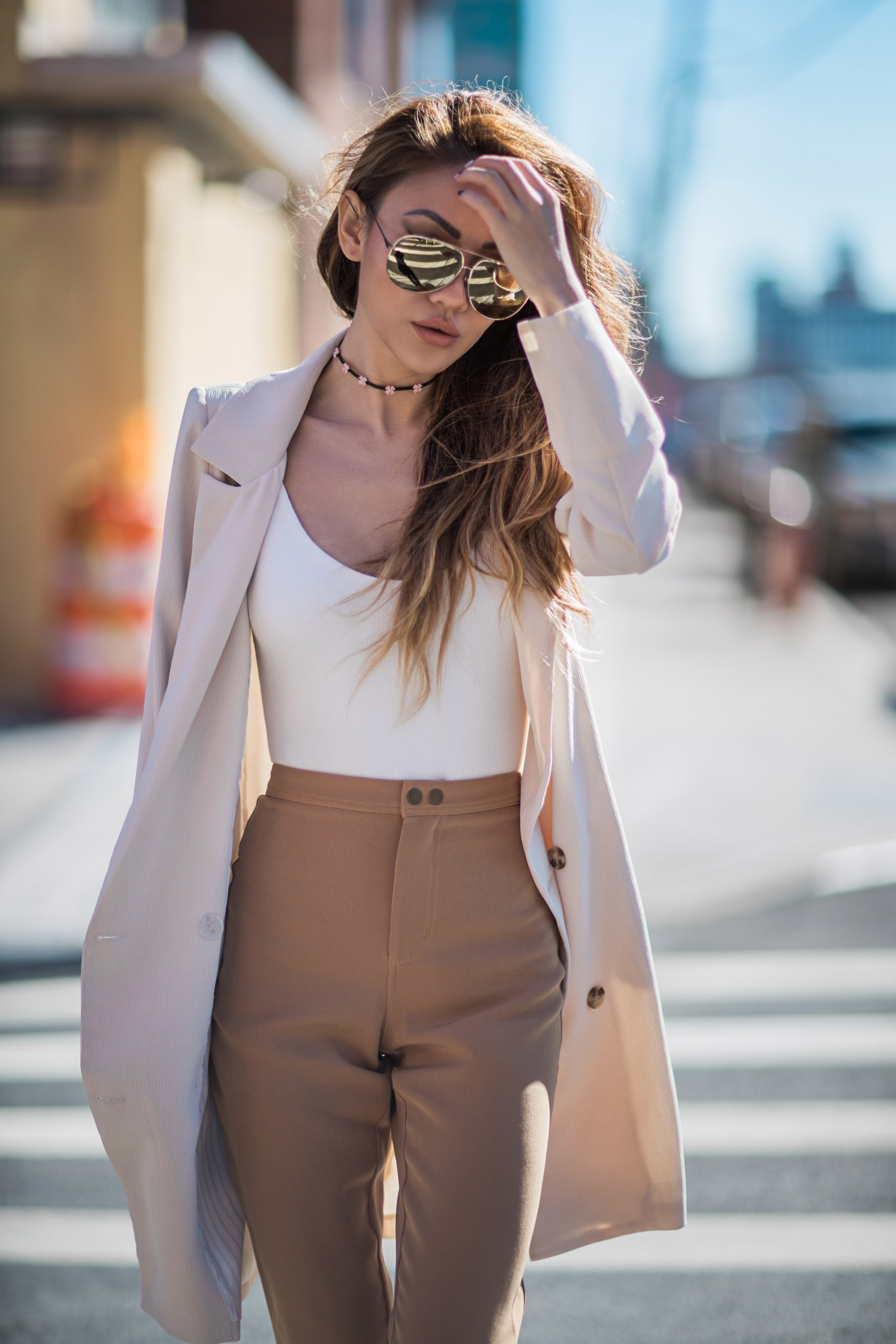 summer fashion staples, beige blazer, white bodysuit // Notjessfashion.com