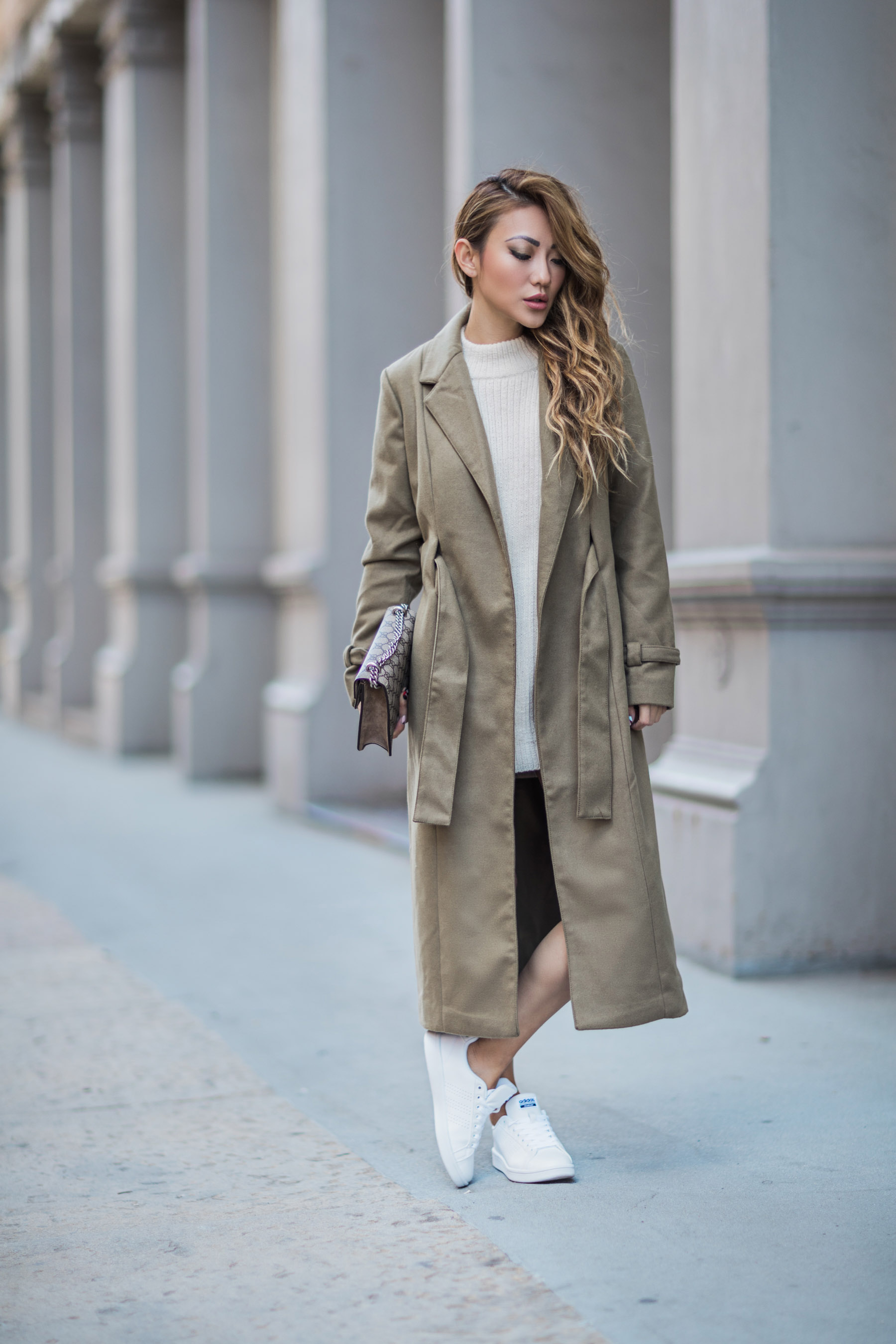 New Trench Coat Styles to Try in Spring 2018 - Classic Trench // Notjessfashion.com