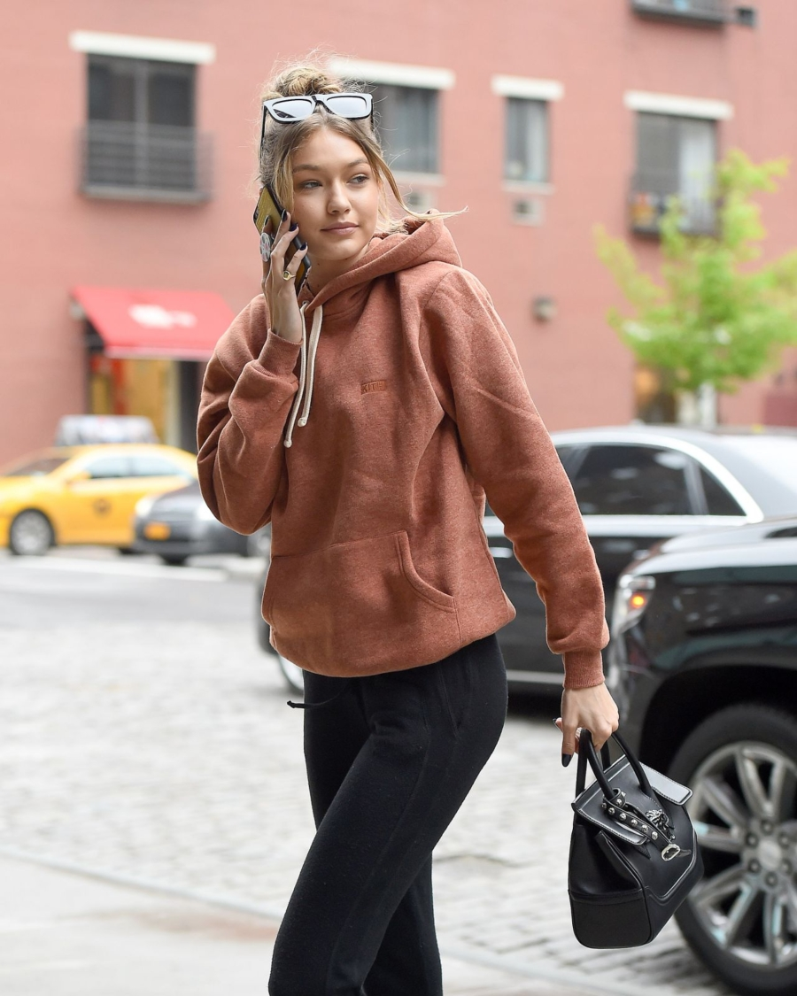 Oversized Hoodies - 7 Essentials for Comfy Travel Style // NotJessFashion.com
