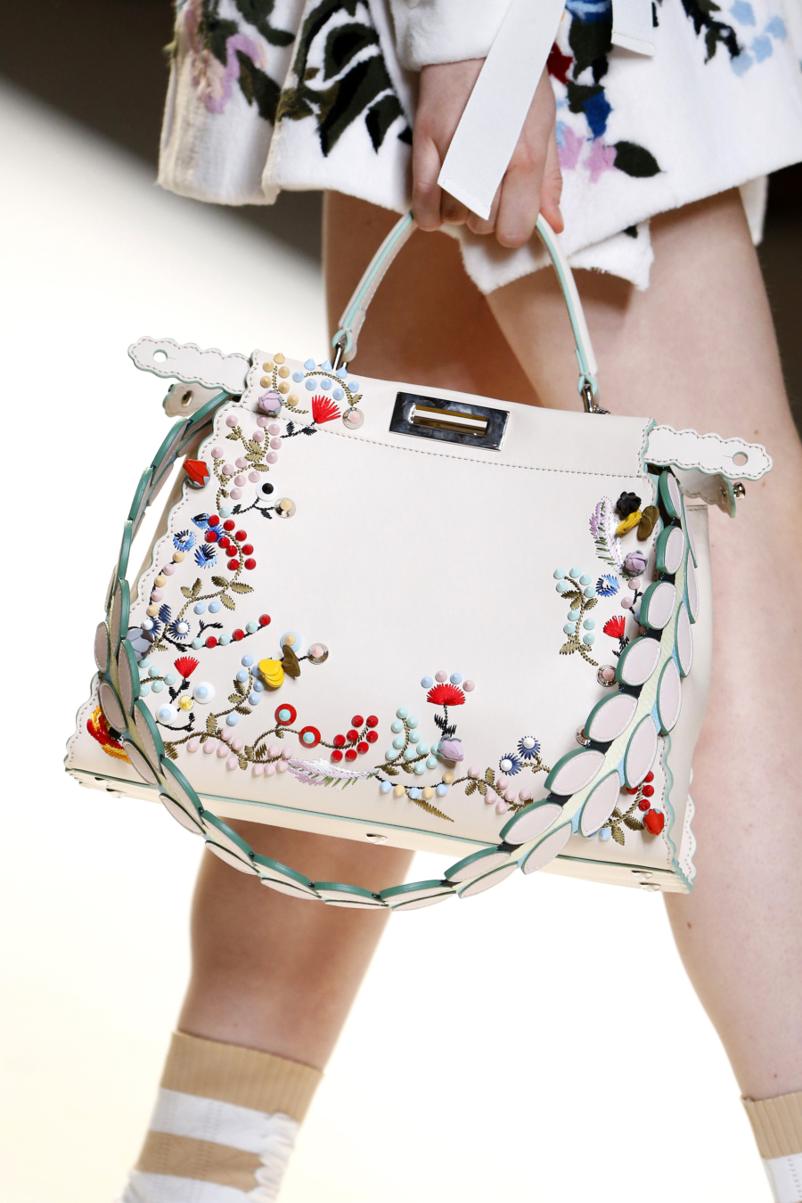 Floral Embroidered Bag - 7 Pieces That Look Adorable With Flower Embroidery // Notjessfashion.com