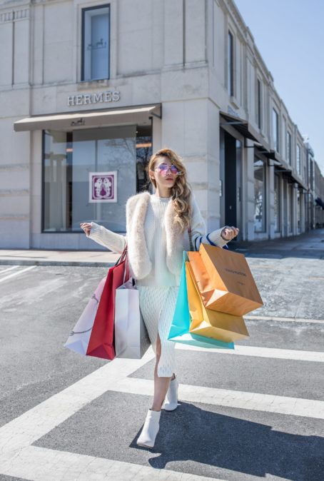 ESSENTIAL BUDGETING TIPS TO CONTROL YOUR HOLIDAY SHOPPING