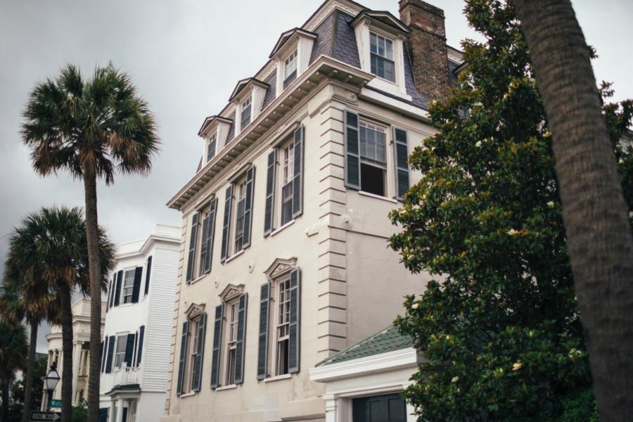 Charleston Charming Houses - Travel Guide: 36 hours in Charleston, SC // NotJessFashion.com