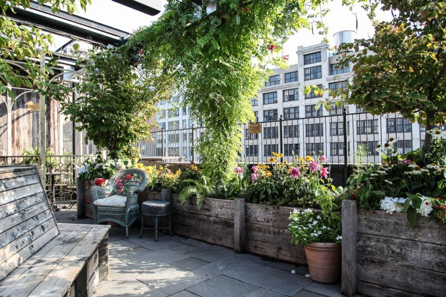 Gallow Green - 9 Best Rooftop Bars in New York and What To Wear // NotJessFashion.com