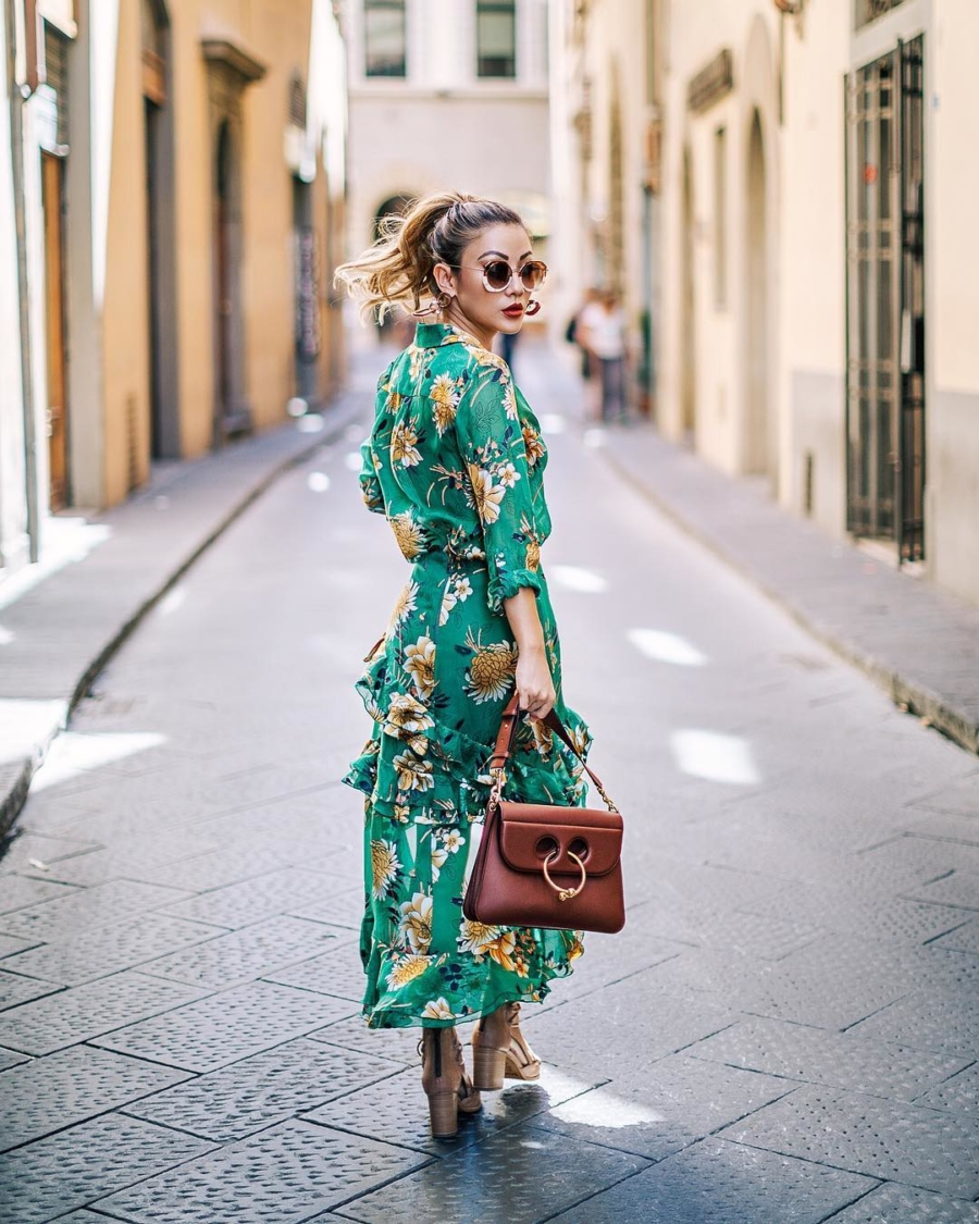 Alice and Olivia Green Dress - Instagram Outfits Round Up: Italian Days // NotJessFashion.com