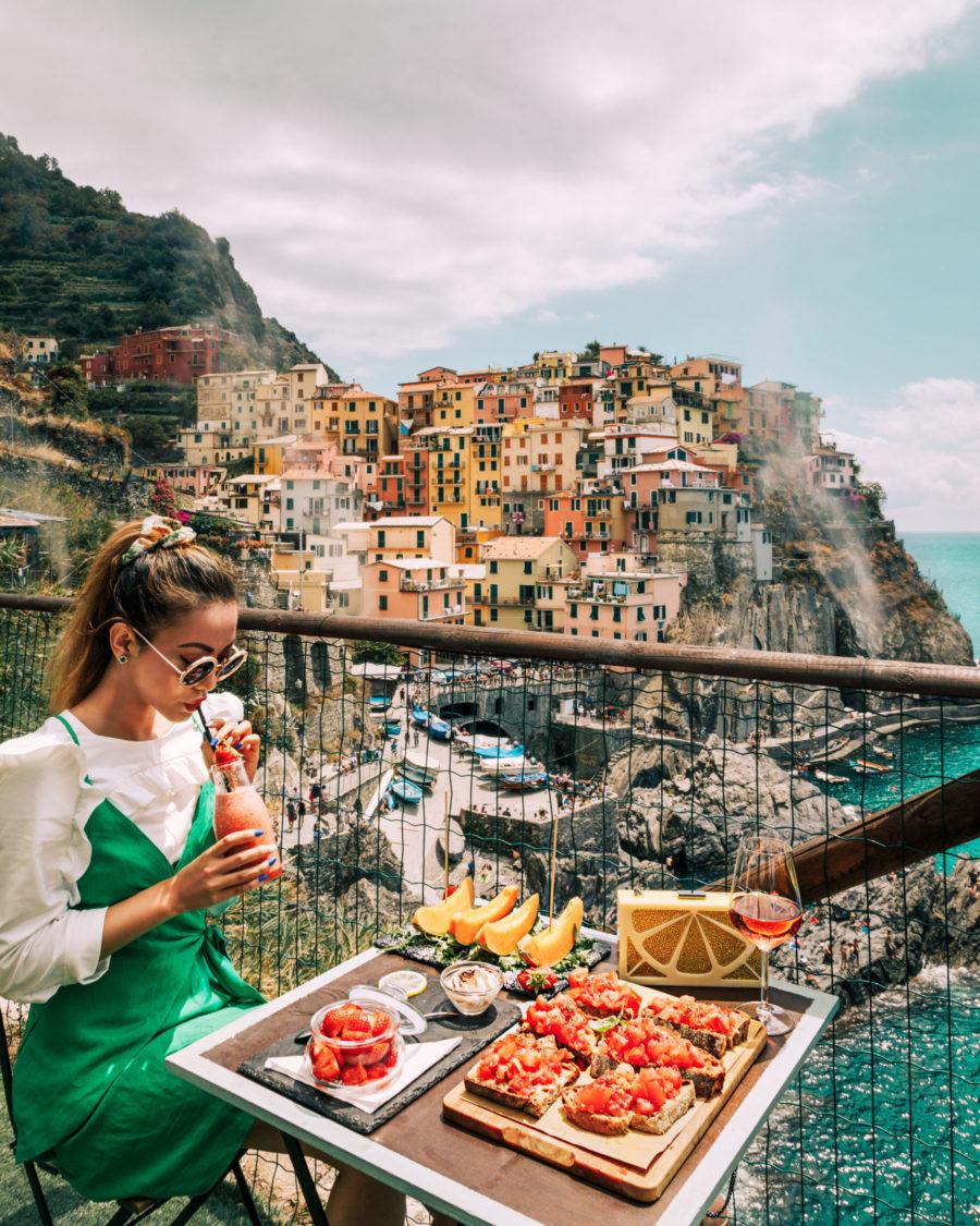 Manarola, Cinque Terre, best photo spots // NotJessFashion.com