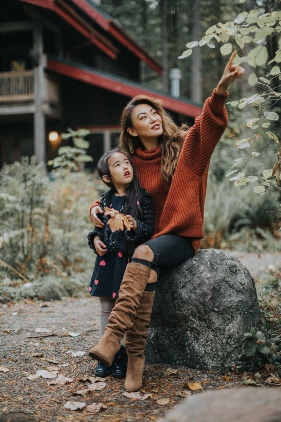 hiking in the mountains, mountain family photos with kids, hiking with kids, fall in oregon // NotJessFashion.com