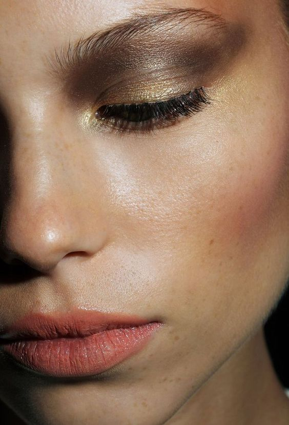 New Year's Eve Makeup Ideas - Smokey Metallic Lids and Flushed Cheeks // NotJessFashion.com