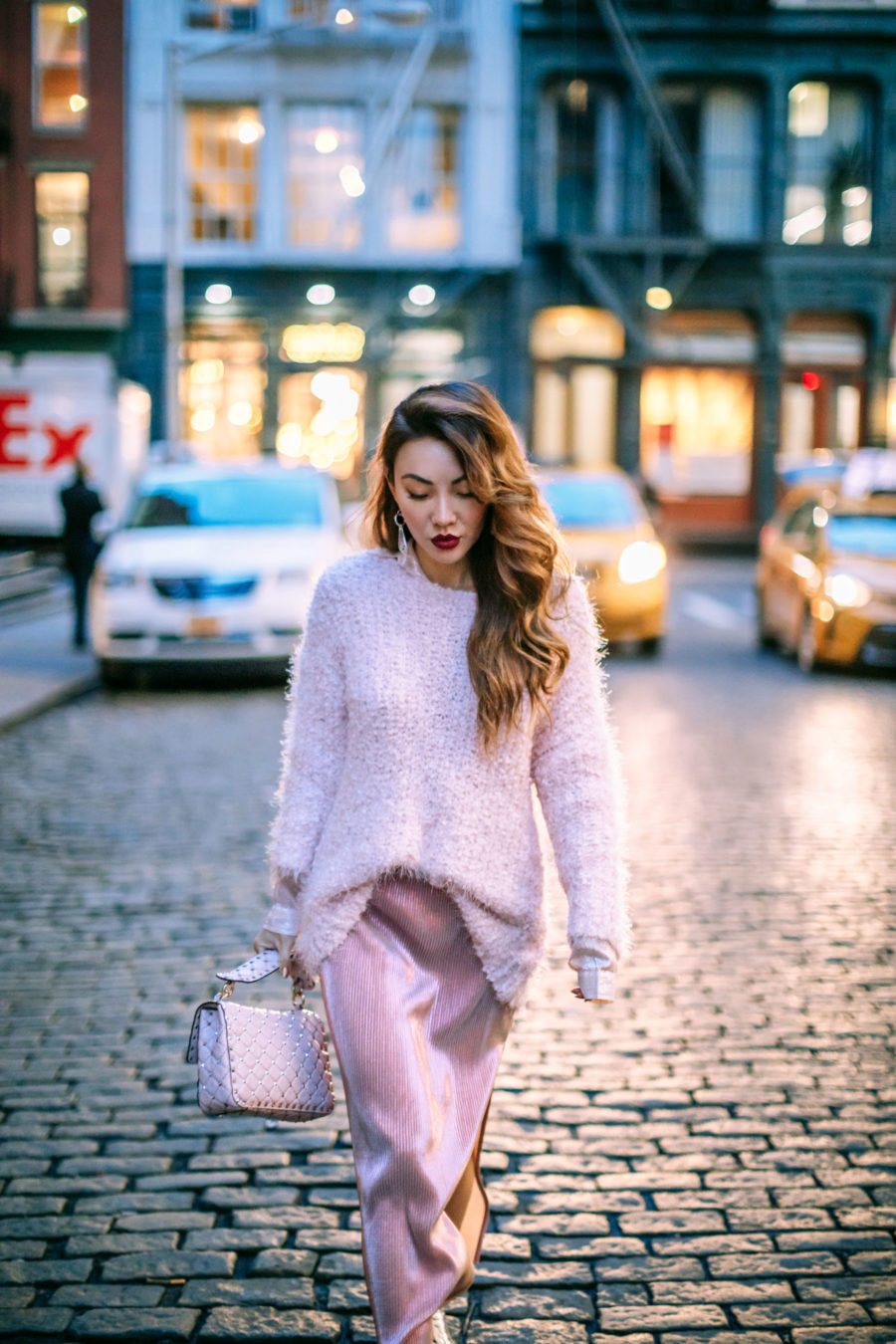 Best NYC Date night ideas, valentine's day outfit ideas - Pink Monochrome Outfit // Notjessfashion.com