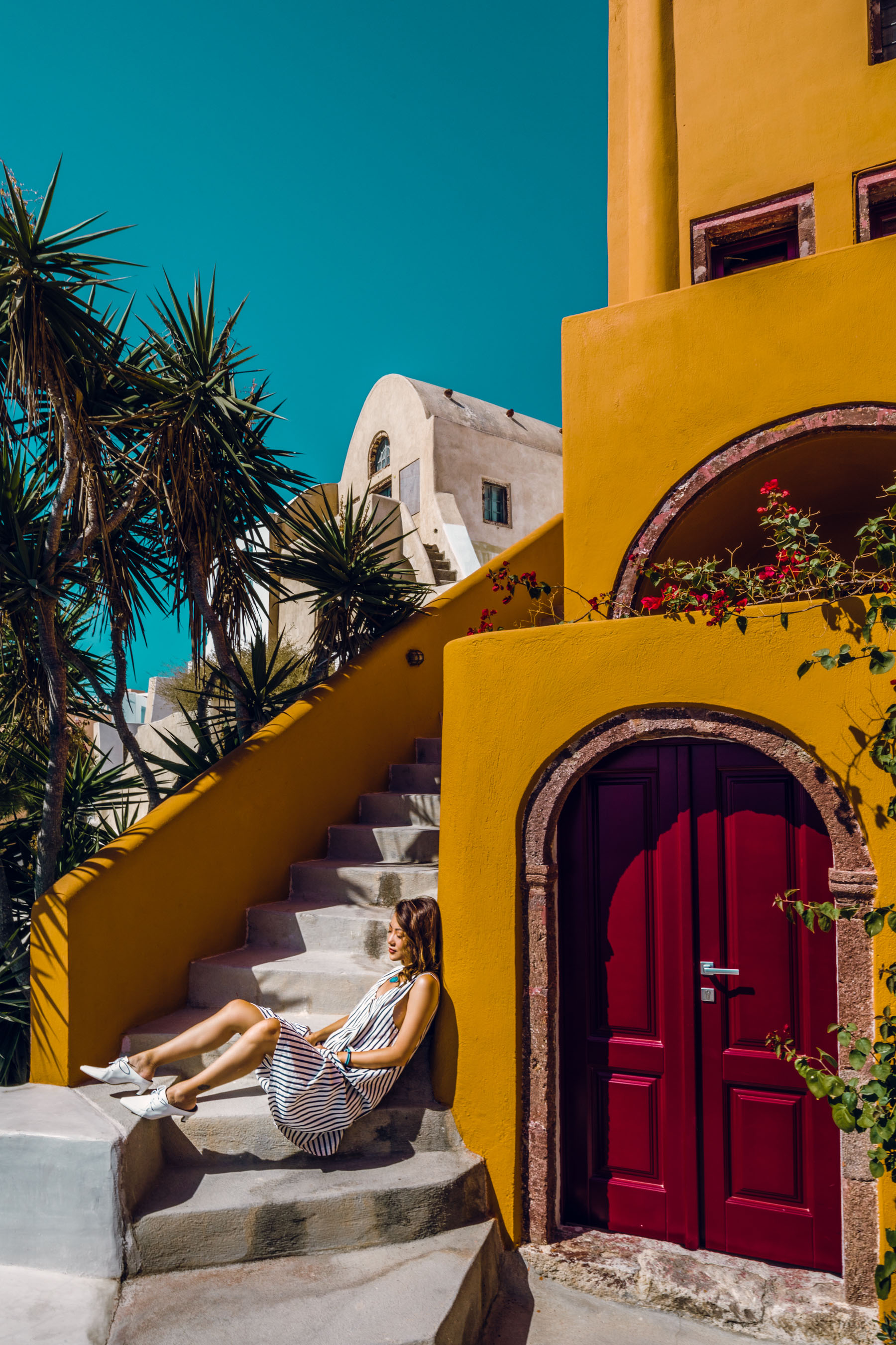 The Ultimate Greece Travel Guide - Santorini & Mykonos // Notjessfashion.com // travel blogger, greece travel tips, mykonos travel tips, santorini travel tips, fashion travel blogger, santorini photos, mykonos photos, santorini travel spots, mykonos travel spots