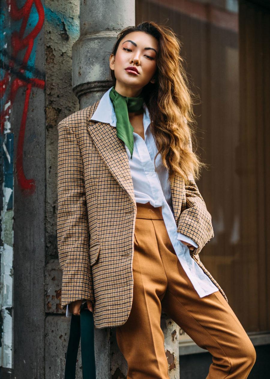 The Best Fall fashion, Green Silk Neck Scarf blazer // Notjessfashion.com