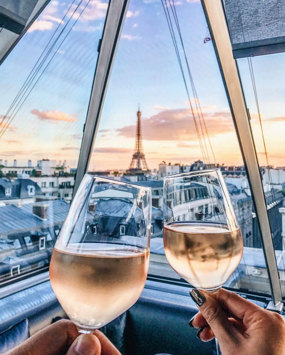 Essential Photography Tips for New Bloggers - Toasting in Paris // NotJessFashion.com // Peninsula Hotel, Rooms with a view, travel blogger, paris, france, fashion blogger in paris, the peninsula hotel