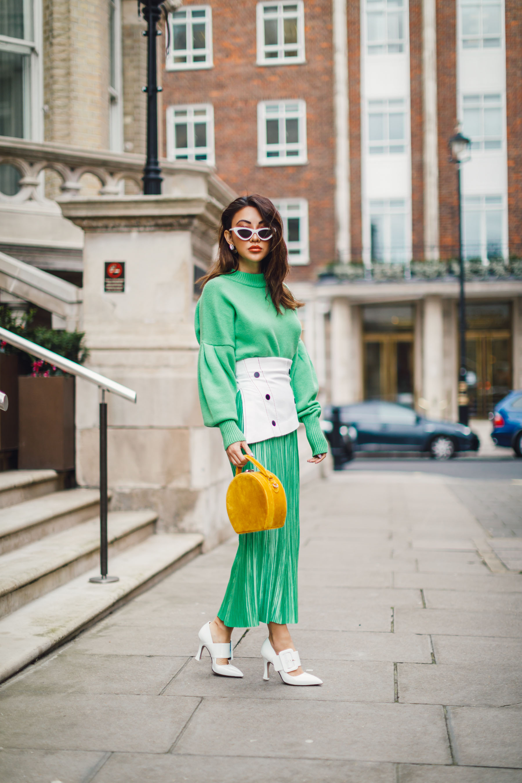 look more expensive 2019 - pleats, pleated skirt // Notjessfashion.com