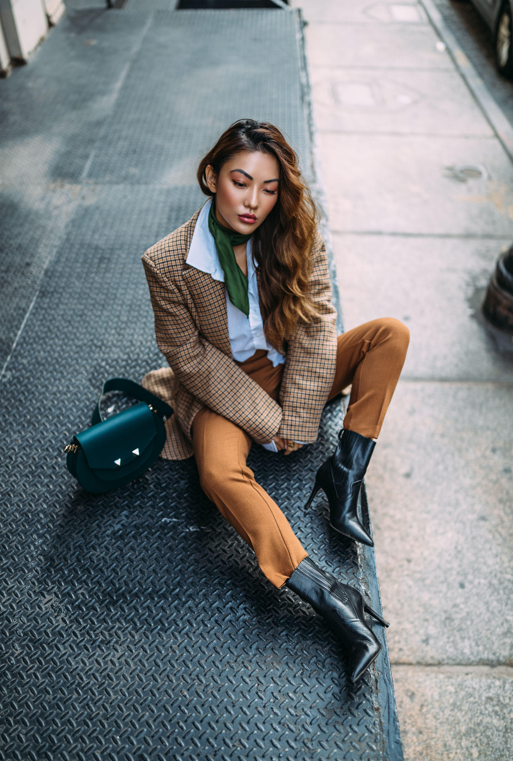 4 Key Pieces to Pull Off Menswear-Inspired Outfit // Notjessfashion.com // NYC fashion blogger, top fashion blogger, asian blogger, oversized blazer, plaid blazer, menswear inspired fashion, jessica wang, green accessories, fashion blogger street style