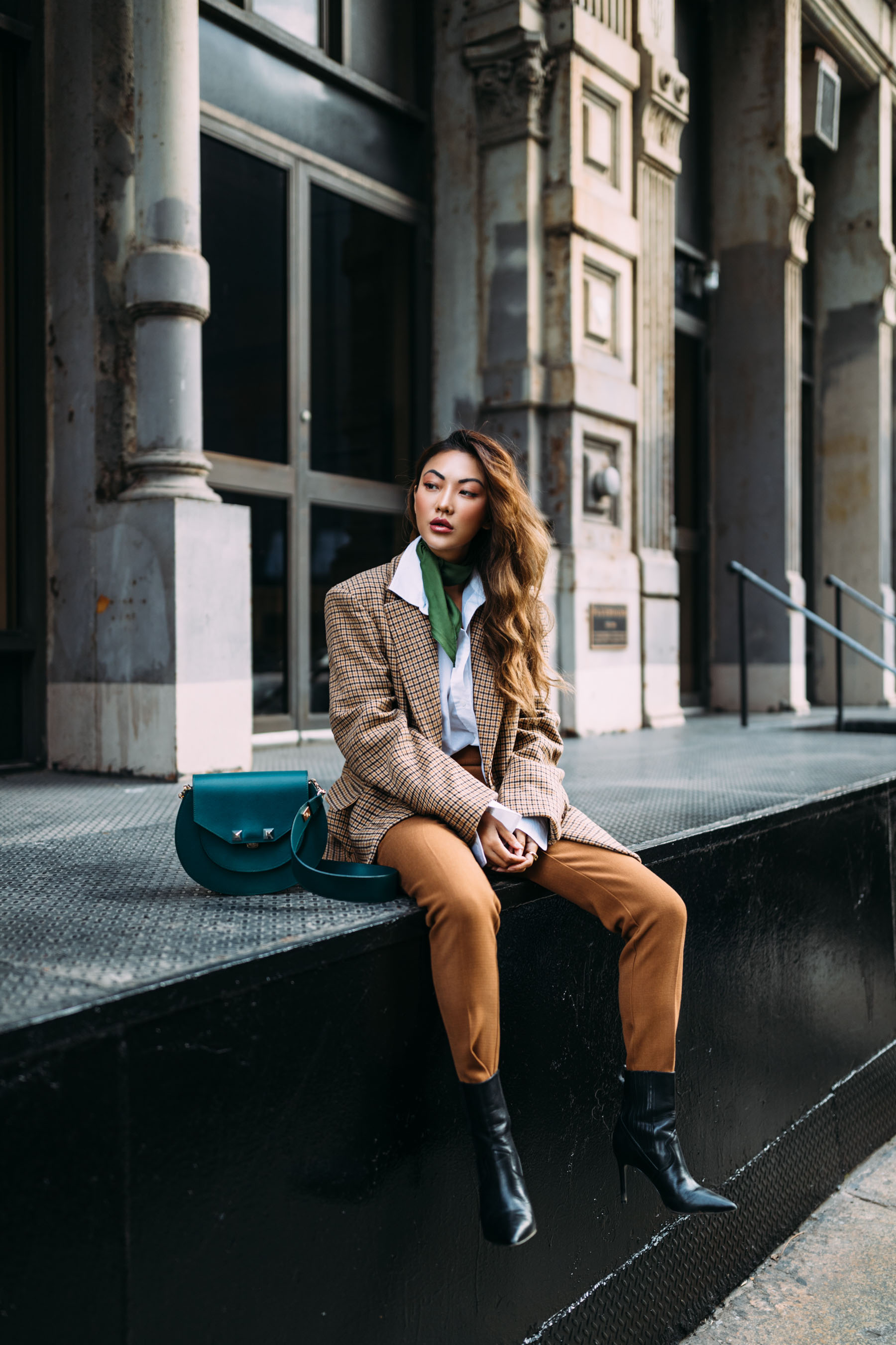 4 Key Pieces to Pull Off Menswear-Inspired Outfit // Notjessfashion.com // NYC fashion blogger, top fashion blogger, asian blogger, oversized blazer, plaid blazer, menswear inspired fashion, jessica wang, green accessories