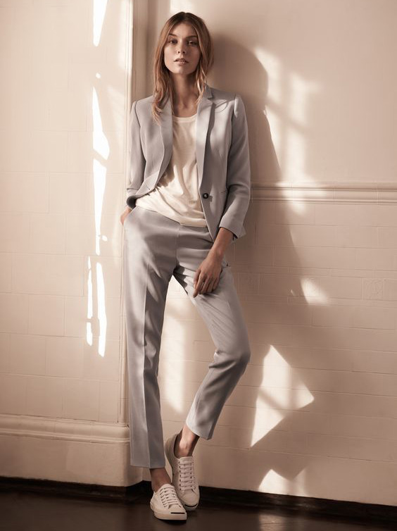 Monochromatic Trouser Suit, Gray Suit with sneakers, Power Suit Trend // Nojessfashion.com