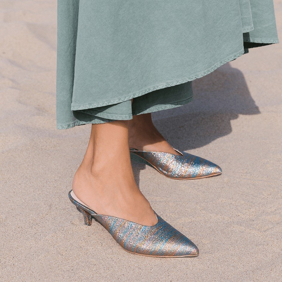 Best Mule Brands for Spring and Summer - Stuart Weitzman Mira Mules // Notjessfashion.com
