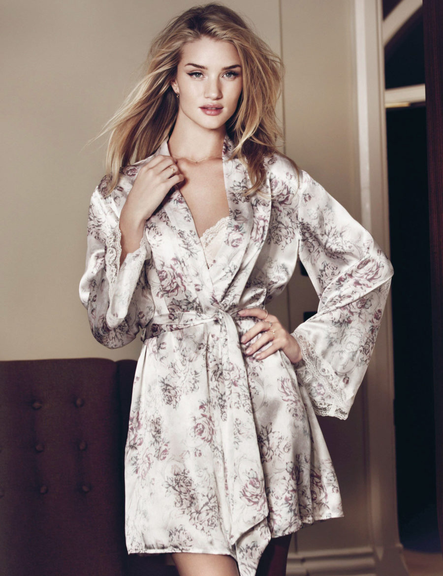 Chic Sleepwear for the Summertime - kimono, sleepwear kimono, robe // Notjessfashion.com