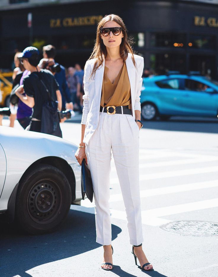 Stylish but Office Friendly Summer Outfit Ideas - Linen suit, linen outfits, linen trend // Notjessfashion.com