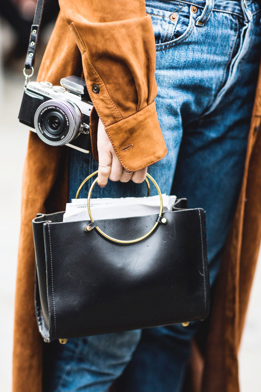 Summer Handbag Styles to Elevate Your Look - ring handle bags // Notjessfashion.com
