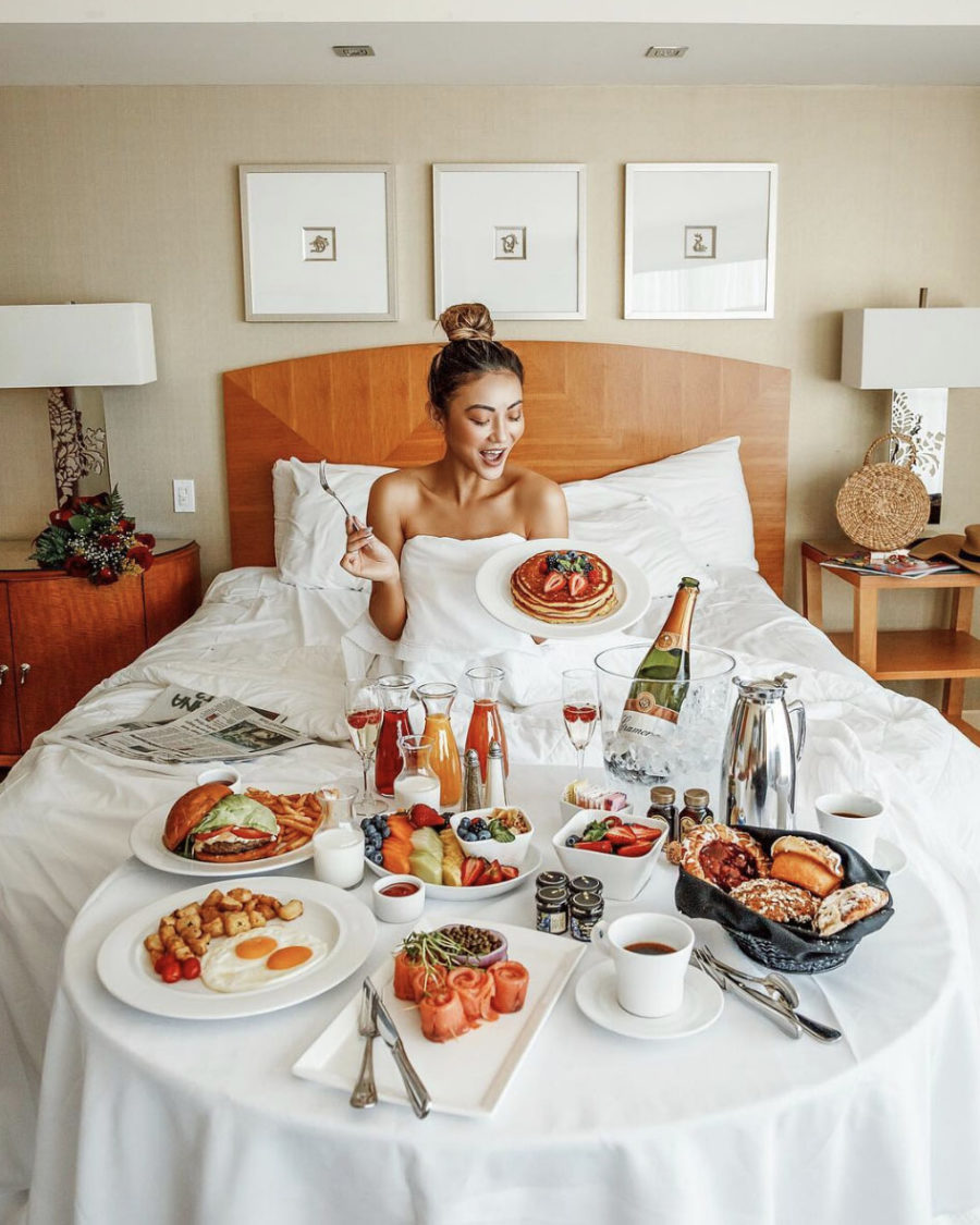 How I Plan for a Blog Photoshoot - Breakfast in bed shoot, Borgata // Notjessfashion.com