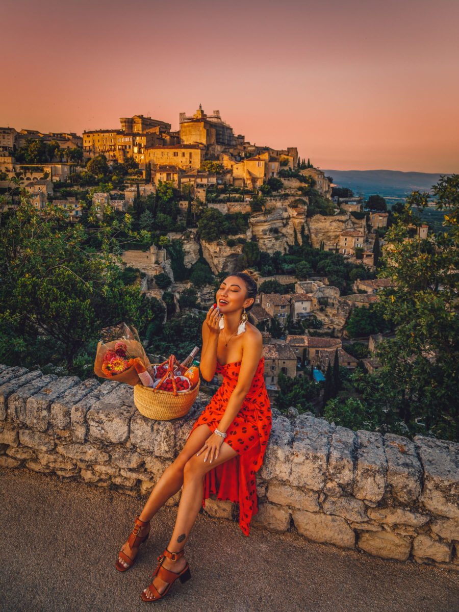 Gordes Provence, fashion and travel blogger, picnic in gordes // Notjessfashion.com