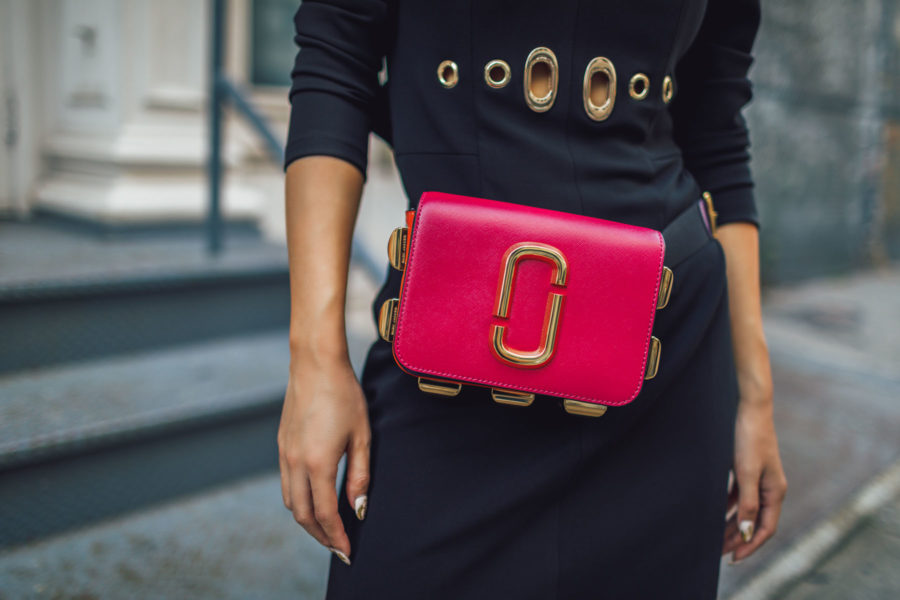 Outdated Fashion Rules You Should Break - Marc Jacobs fanny pack, marc jacobs convertible bag, fanny pack outfit // Notjessfashion.com