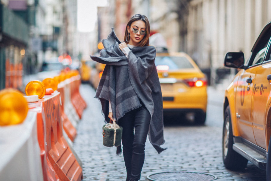 handbag trends for fall 2019, Reiss Jumper, Reiss Poncho, Classic Fall Trends // Notjessfashion.com