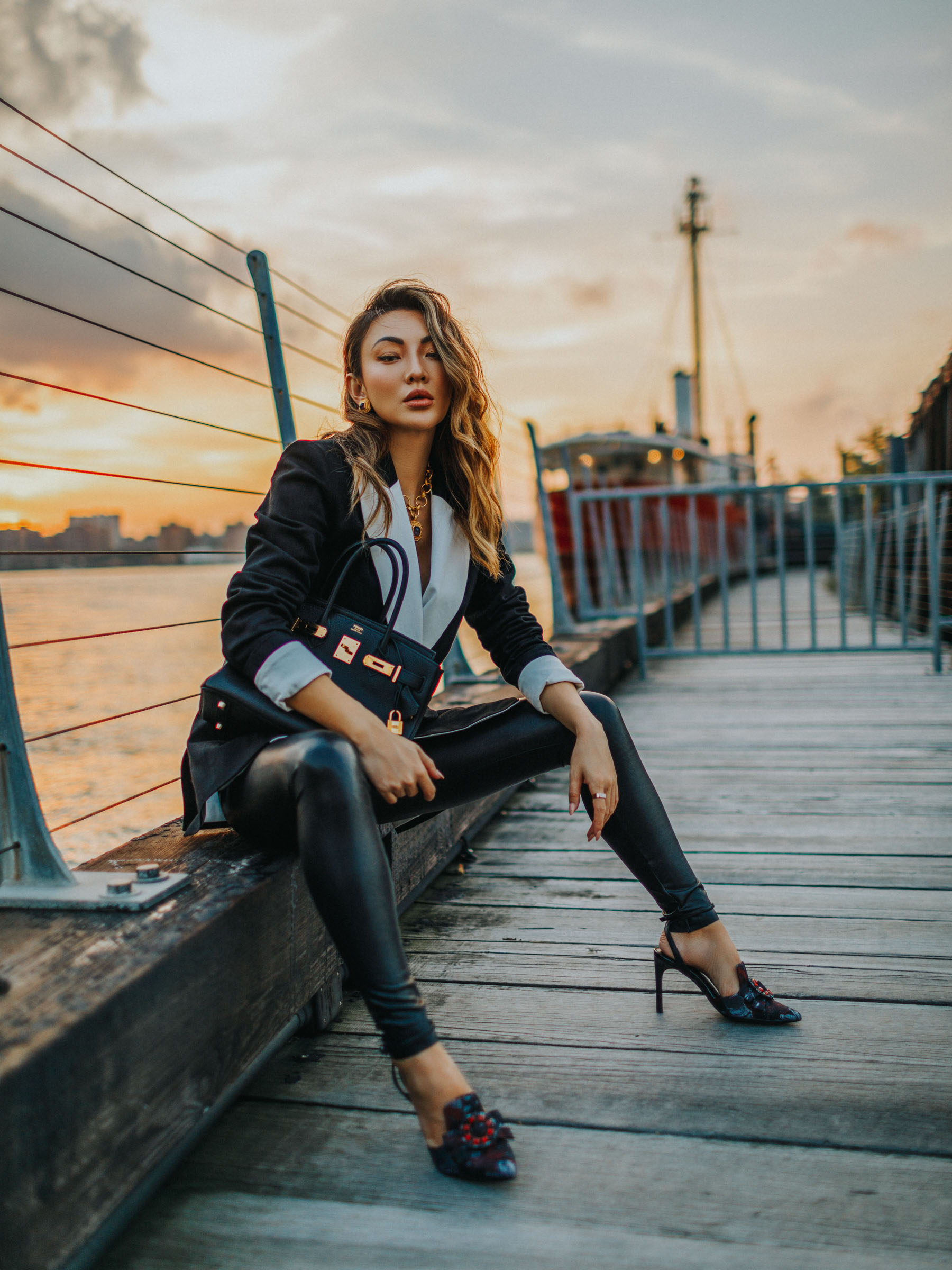 work to weekend closet, chic workwear, leather leggings and blazer, trendy office outfits, Fall Outfits from Instagram, Layers for fall, leather pants outfit // Notjessfashion.com
