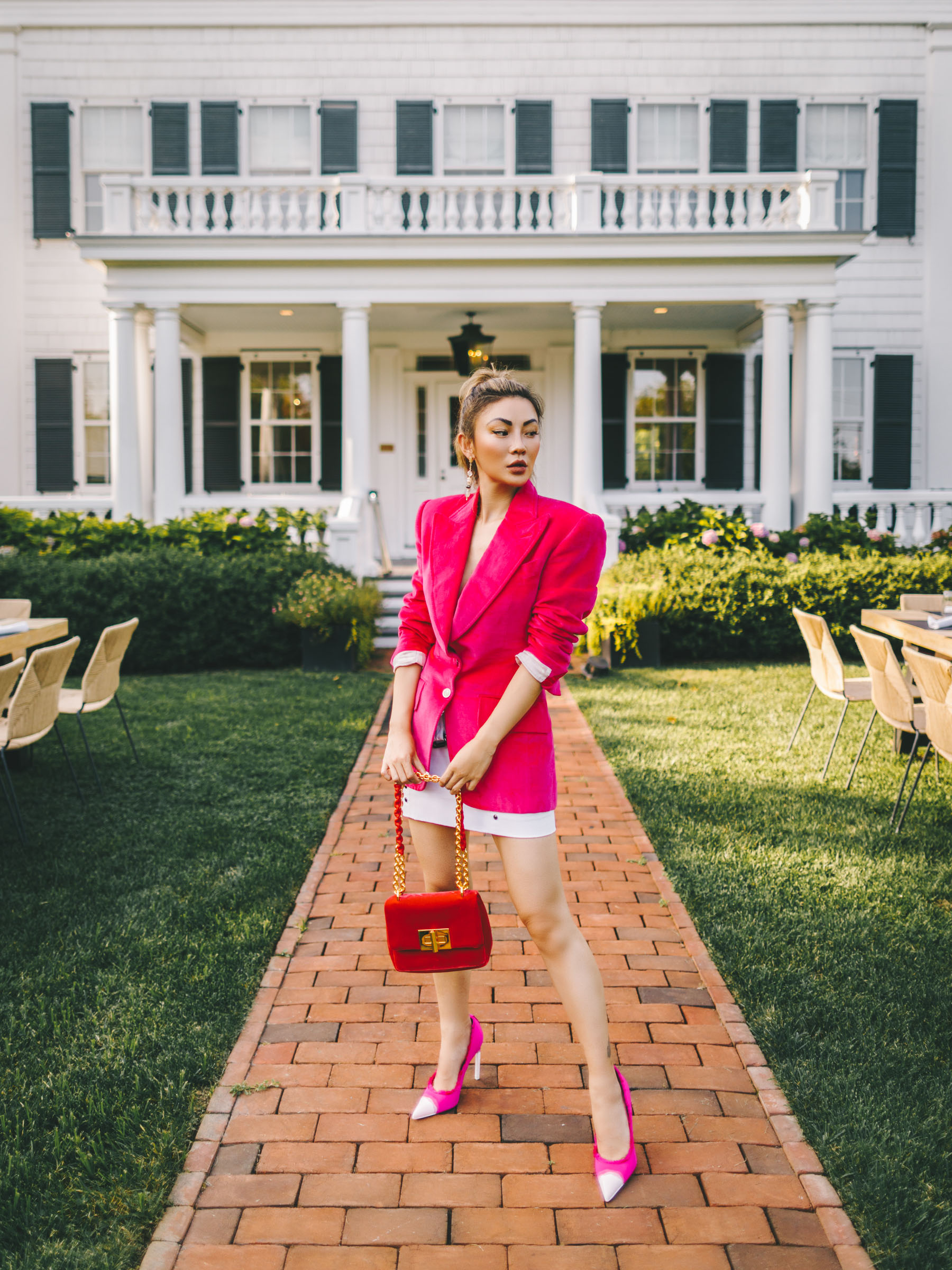 how to style a blazer, pink blazer look, suiting fashion trend, tom ford in the hamptons // Notjessfashion.com