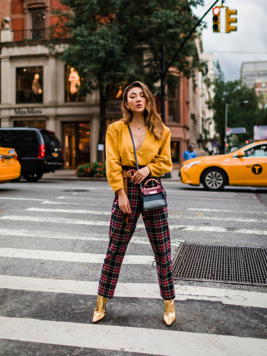 How to Wear Plaid for the Holidays, plaid pants // Notjessfashion.com