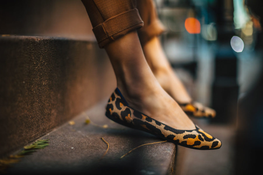 How to Elevate an Outfit Immediately - Rothy's pointed flats, rothy's leopard print flats // Notjessfashion.com