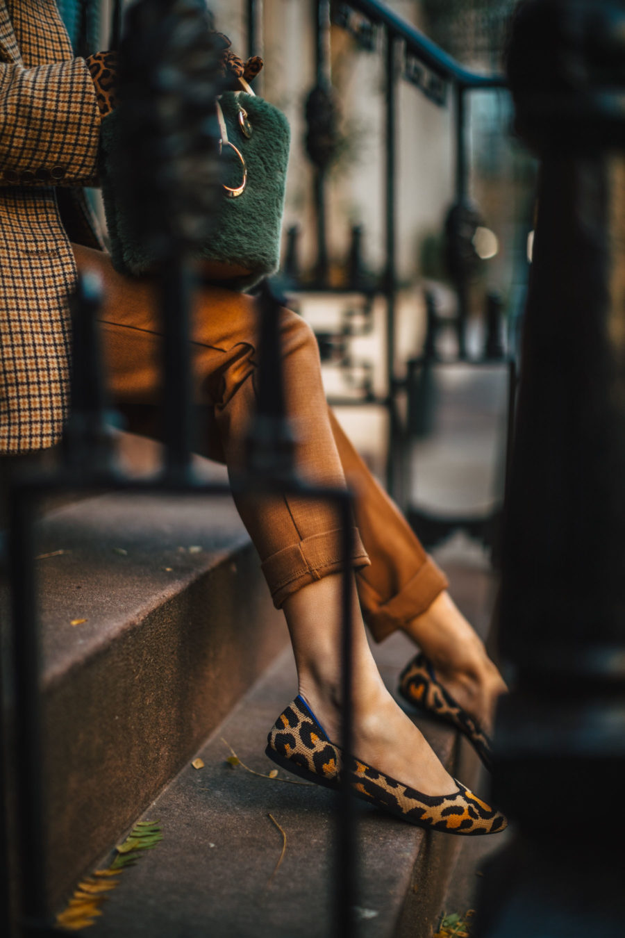 Comfy Winter Shoes that Don't Sacrifice Style - Rothy's pointed flats, rothy's leopard print flats // Notjessfashion.com