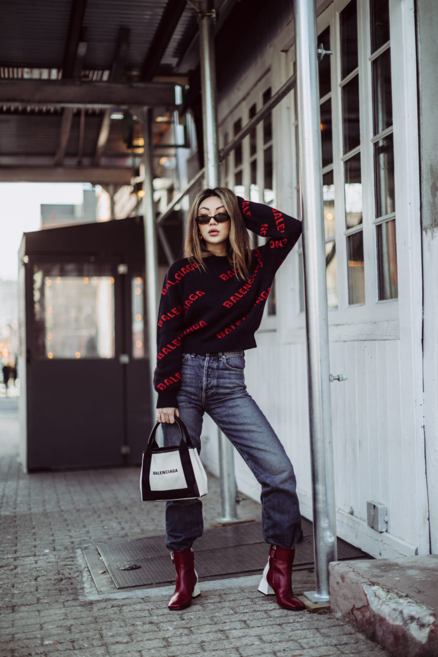 Best outfits for in-between weathe - Balenciaga Logo Sweater, Balenciaga Tote, Dakar Boots // Notjessfashion.com