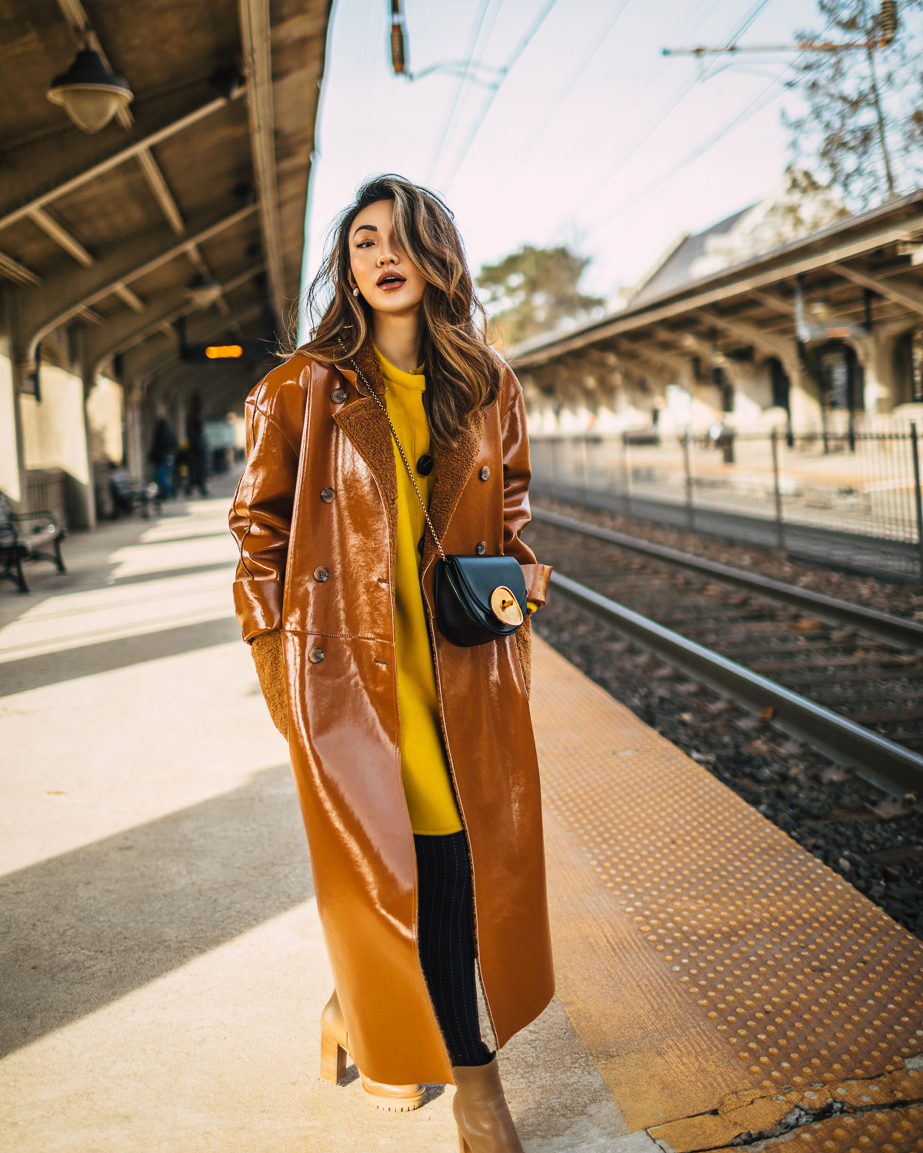 work to weekend closet, chic workwear, leather trench, trendy office outfits, Ways to look more stylish, nyc winter style, oversized coat // Notjessfashion.com