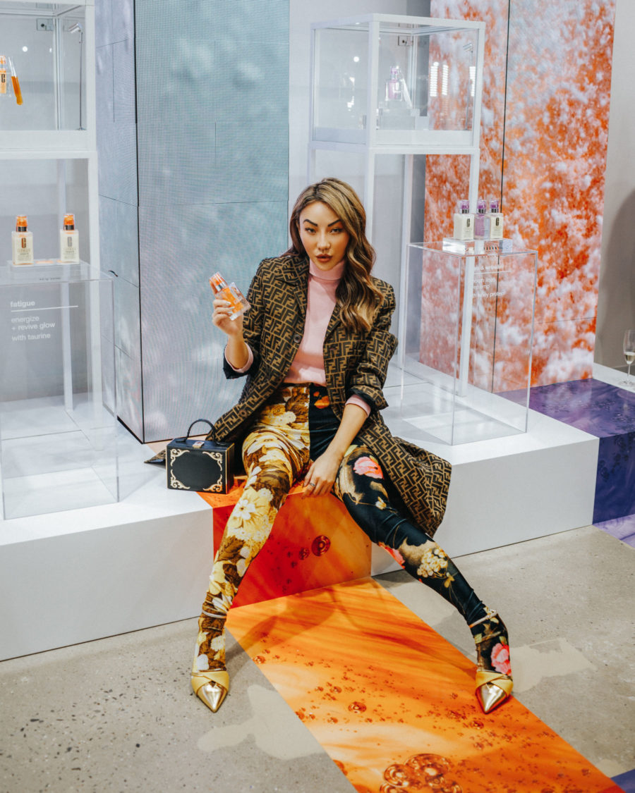 loungwear pieces you can wear out, floral leggings, loungewear as streetwear // Notjessfashion.com
