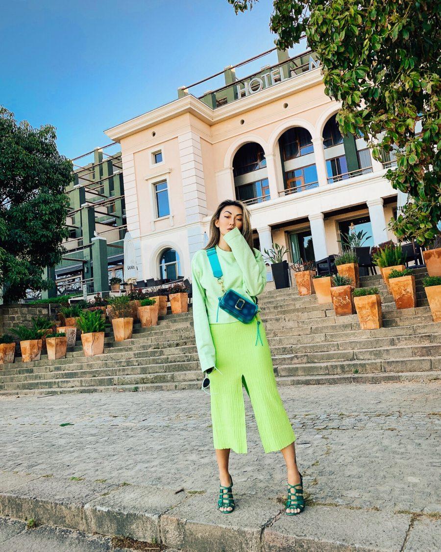 summer handbag trends - sling bag // Jessica Wang - Notjessfashion.com
