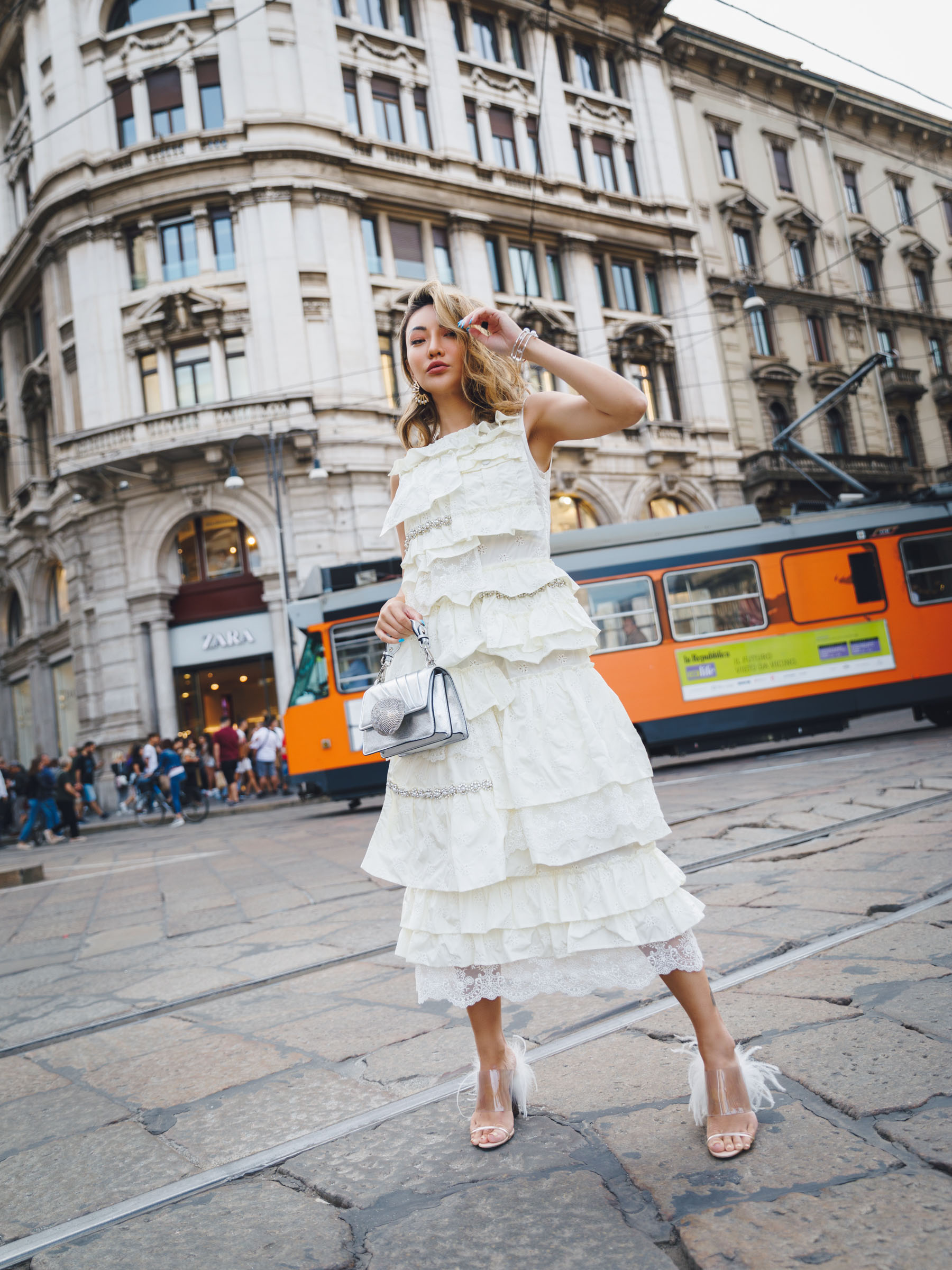 fashion week questions, Simone Rocha Ruffle Dress off white, gedebe handbag // Notjessfashion.com