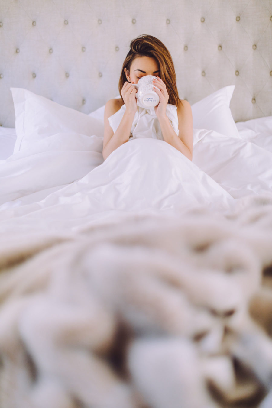 jessica wang makes bedroom feel like a 5-star hotel with four seasons at home bedding // Notjessfashion.com