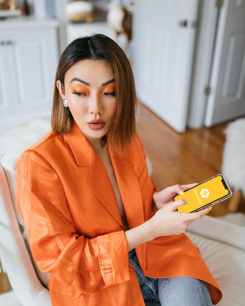 fashion blogger jessica wang using bumble and shares how to empower your bff // Jessica Wang - Notjessfashion.com