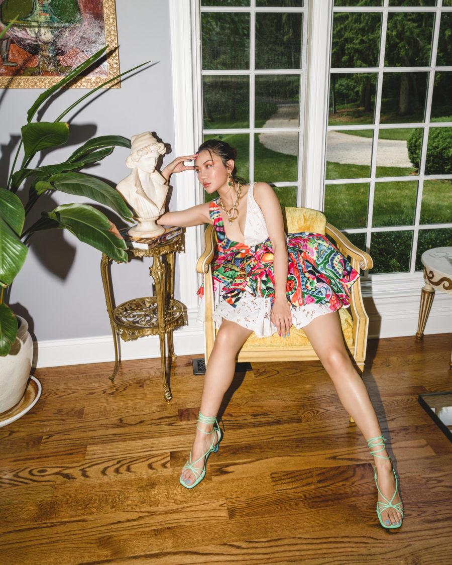 fashion blogger jessica wang wears bold printed dress and shares amazon beauty tools // Jessica Wang - Notjessfashion.com