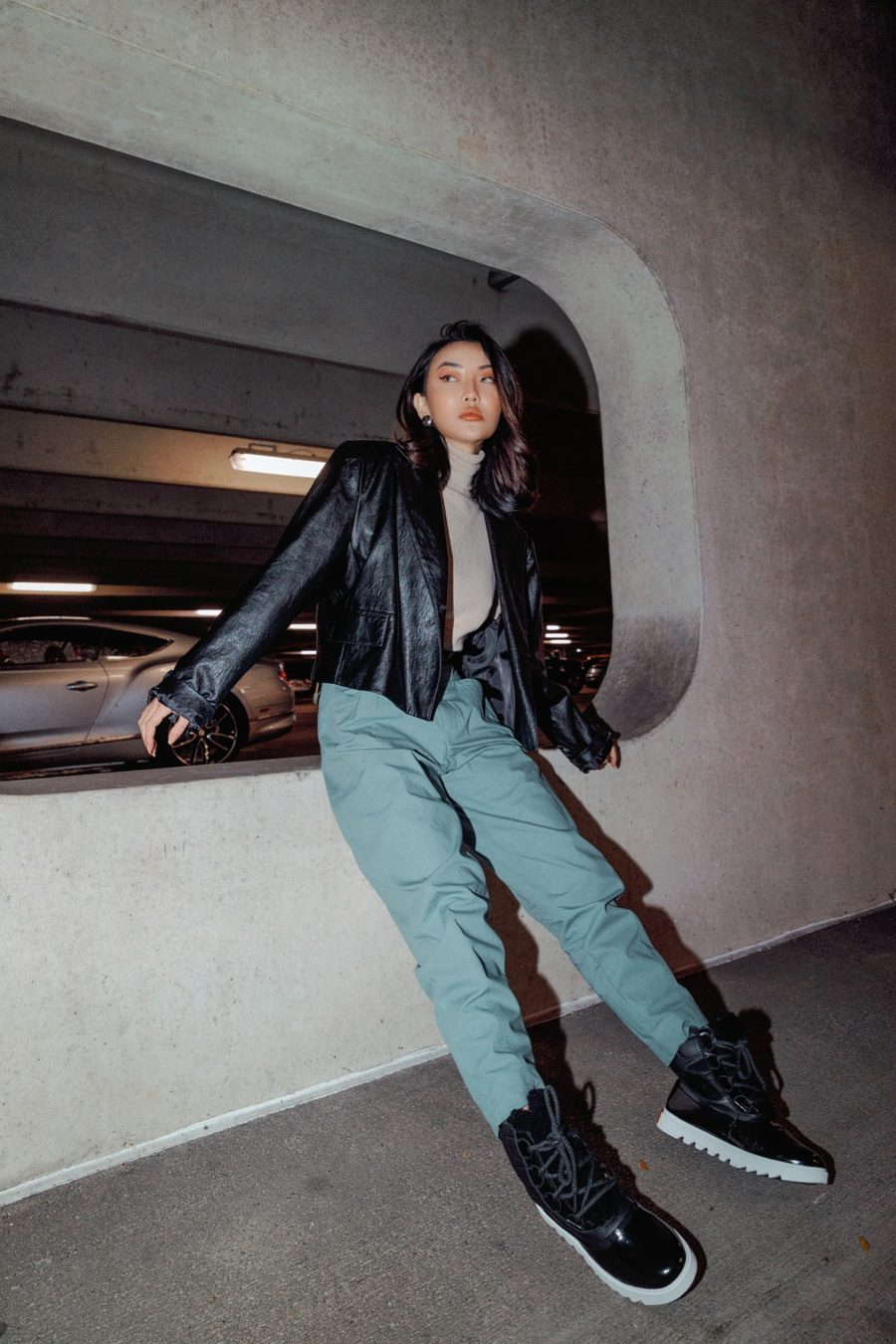 jessica wang wearing sorel winter boots with jeans and a leather jacket // Jessica Wang - Notjessfashion.com