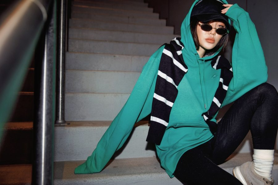 Jessica wang wears a green champion hoodie with walmart tights and shares how to style leggings for everyday // Jessica Wang - Notjessfashion.com