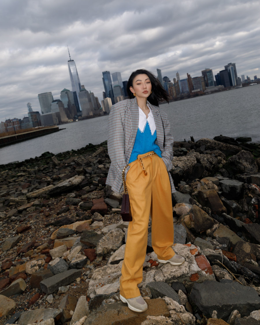 2021 fashion trends featuring baggy pants // Jessica Wang - Notjessfashion.com