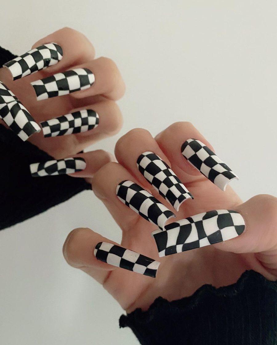 checkered print nail trends // Jessica Wang - Notjessfashion.com