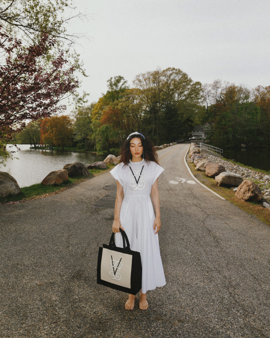 jessica wang wearing a white dress with a designer shopper tote while sharing the best labor day sales 2021 // Jessica Wang - Notjessfashion.com