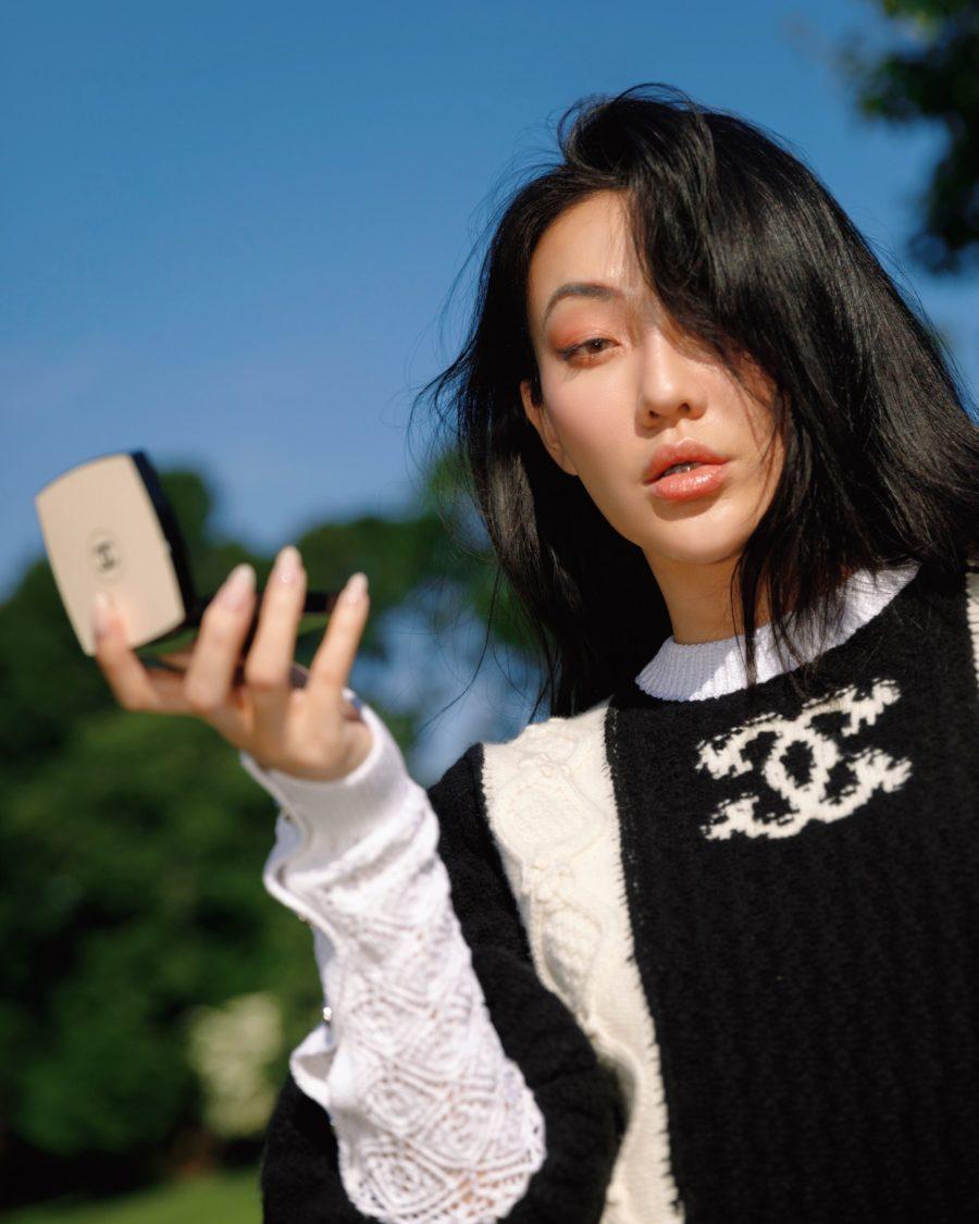 jessica wang using chanel makeup and sharing fall makeup palettes // Jessica Wang - Notjessfashion.com